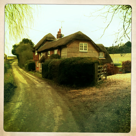 Emmalovesretro Hampshire cottage