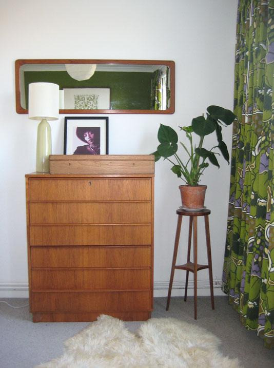 Emmalovesretro-Bedroom-detail