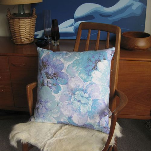 BlueFloral-vintage-cushion